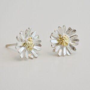 Zwanette Mariken oorstekers zilver goud Zilvermuseum